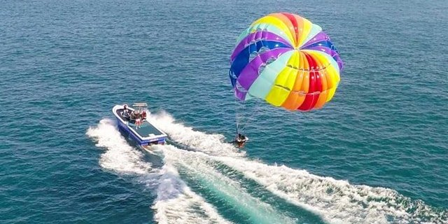 Colva Beach, parasailing in goa